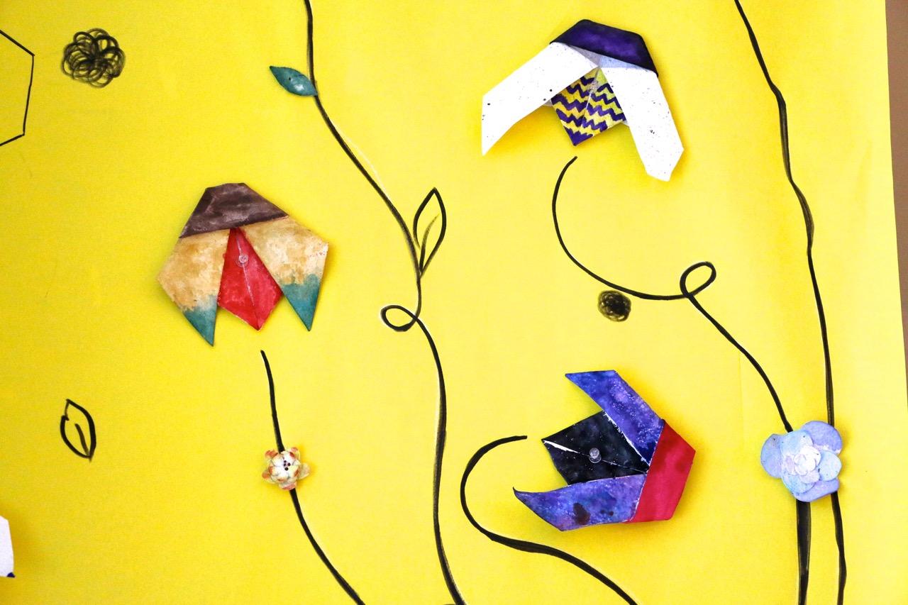 Illustrator of origami bee | Premium Vector | 853x1280